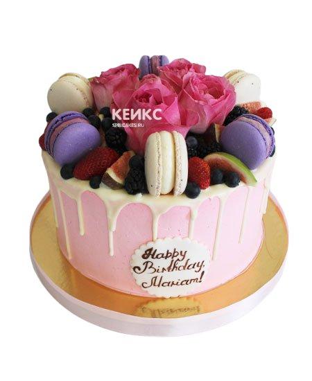 Торт с ягодами и цветами 3