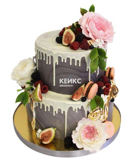 Торт с ягодами и цветами 4