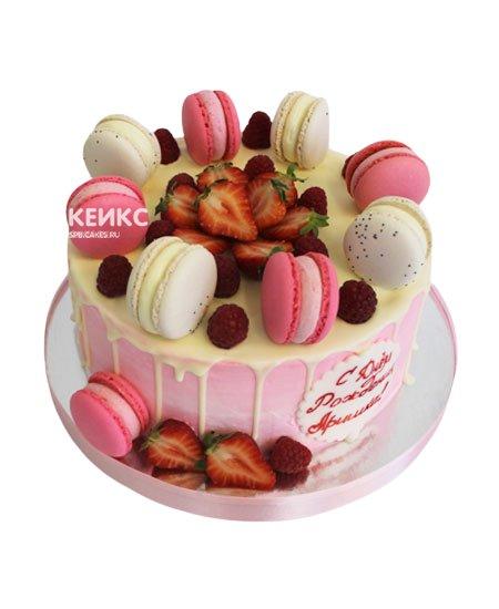 Торт ягодный с макарунами 8