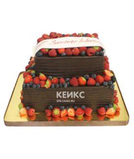 Торт прямоугольный с ягодами 4