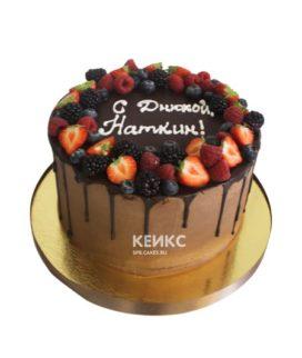 Торт шоколадный с ягодами 7