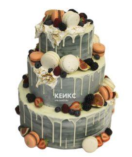 Свадебный торт с клубникой 12